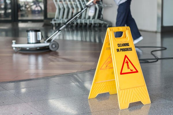 Cleaning commercial Offices