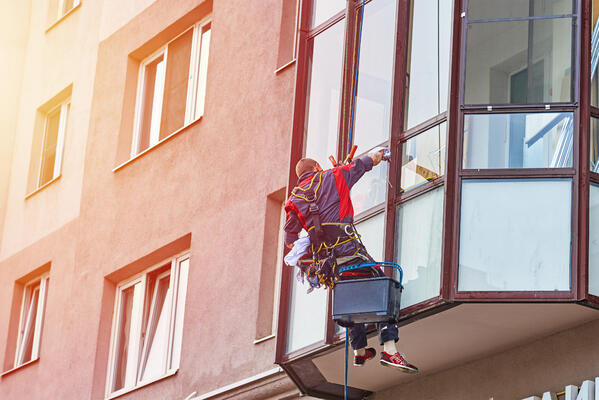 Returning to work after the festive break window cleaning