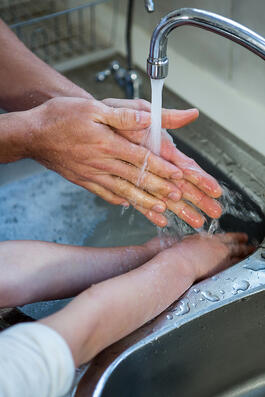 how to clean your hands properly son and father
