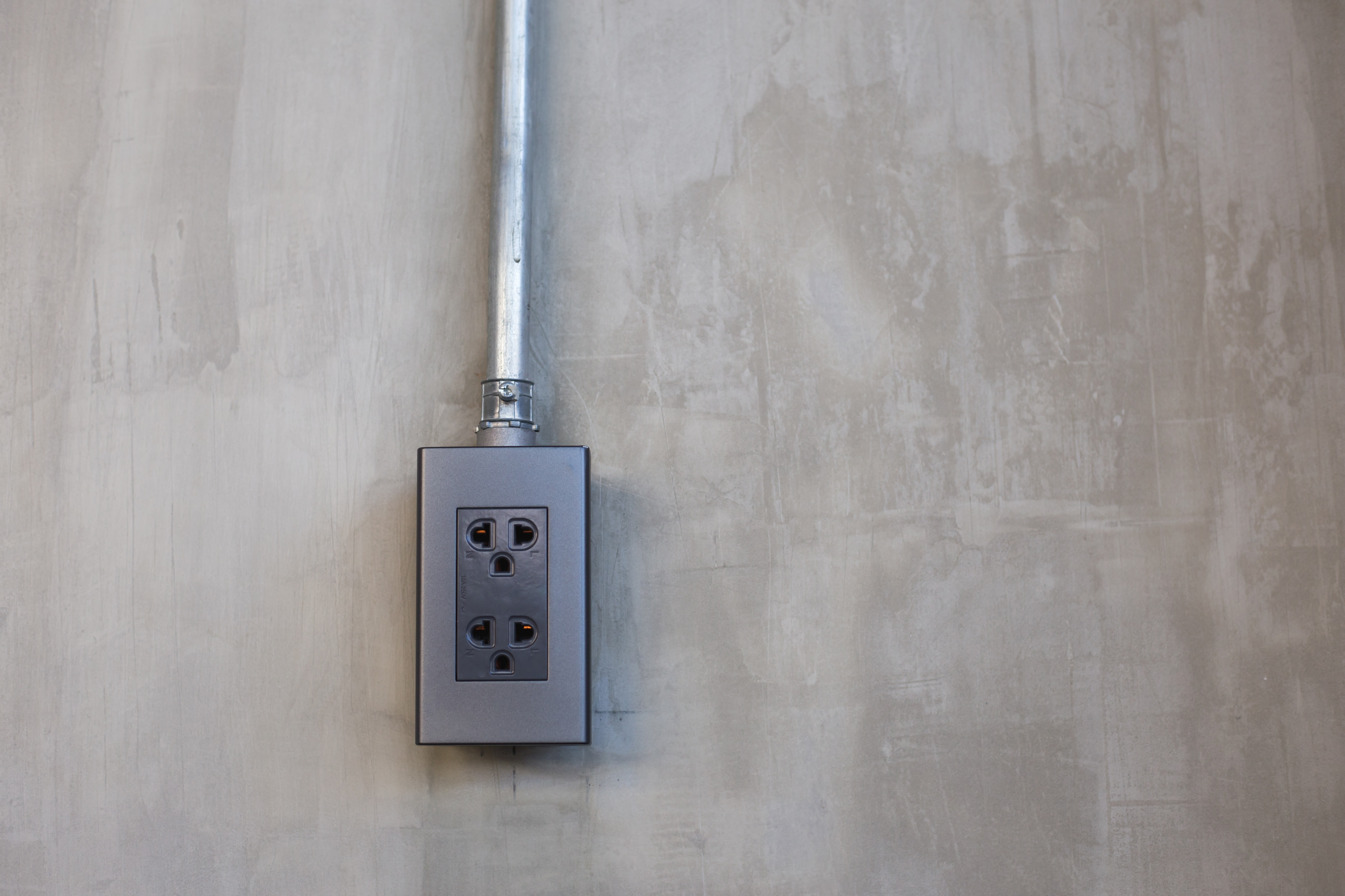 5 Warning Signs To Look Out For With Faulty Electrical Wiring In Your  Commercial PropertyWinns Services